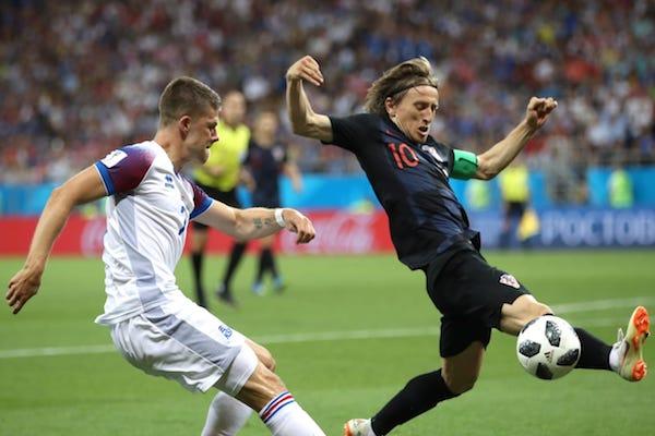 Grupa D: Islanda - Croația 1-2. Croația se califică în optimi cu maxim de puncte!