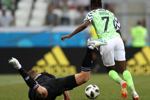 Grupa D: Nigeria - Islanda 2-0. Musa îi mai dă o șansă lui ... Messi