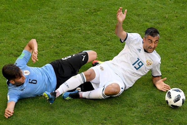 Grupa A: Uruguay – Rusia 3-0. Uruguay câștigă grupa și ambele echipe merg mai departe