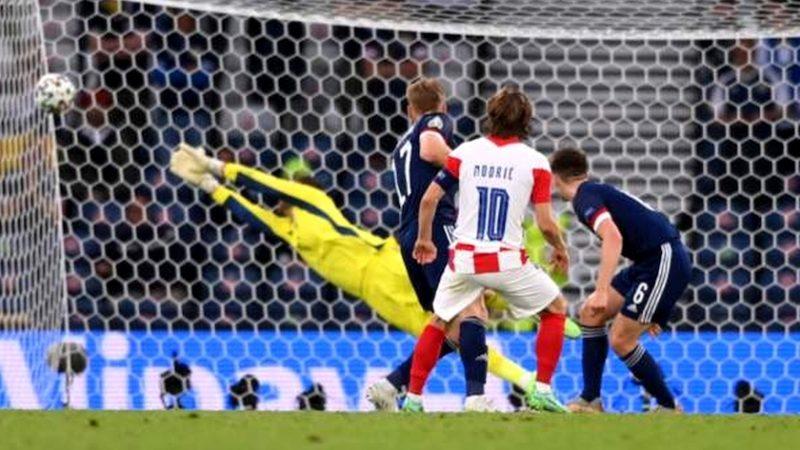 Grupa D: Croaţia – Scoţia 3-1. Croația s-a califică în optimi de pe poziția a doua